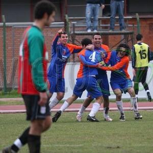 Il derby è biancorosso: in 10 contro 11 l'Orvietana trova la vittoria