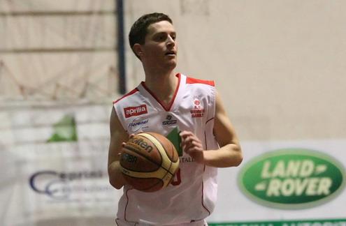 Mattia Cortelli, da under a veterano nell'Orvieto Basket