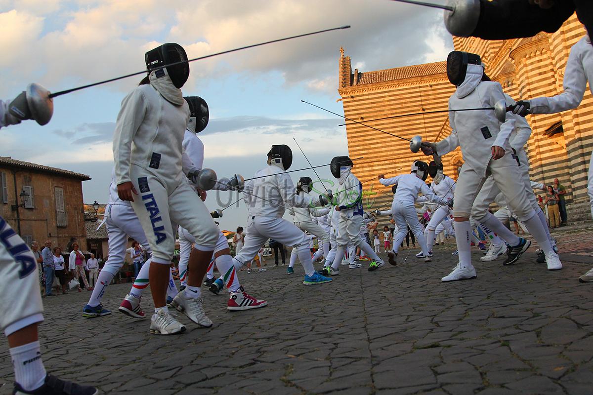 Flash Mob al Duomo per la scherma orvietana UISP