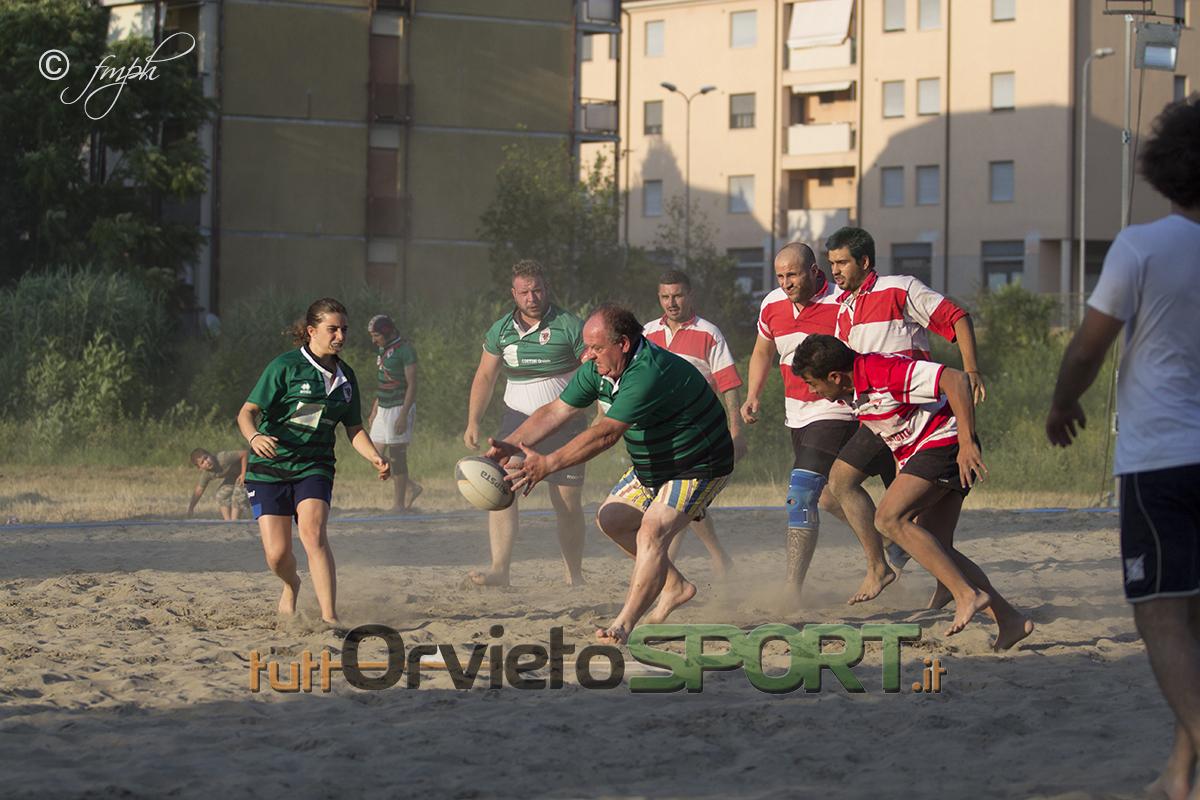 Il Serancia trionfa al torneo dei quartieri di beach Rugby