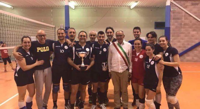 La Libertas Pallavolo vince la Etruscan Volley League. Donato un defibrillatore al comune di Ficulle