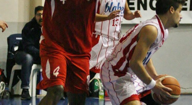 Obi Egbunike in maglia Orvieto Basket
